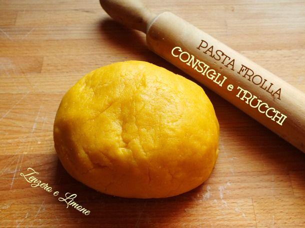 Una serie di consigli, informazioni e trucchi relativi alla pasta frolla, l'impasto utilizzato come base per torte (crostate) e biscotti.