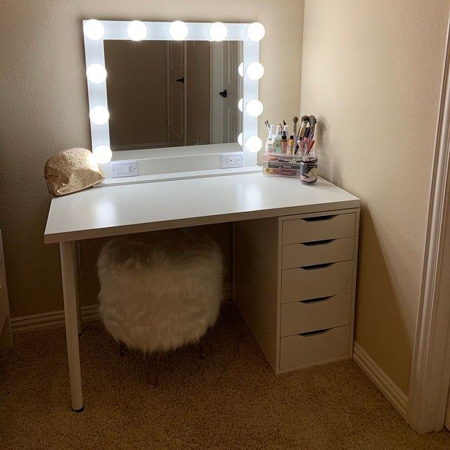Large 40 X 28 Hollywood Style Lighted Vanity Make Up Mirror Etsy In 2020 Bedroom Vanity Vanity Desk Room Ideas Bedroom