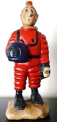 """VERY RARE WOOD CARVED TINTIN IN MOON SUIT STATUETTE VERY LARGE (12""""X6""""inches)"""