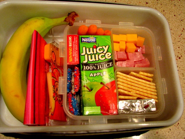 Cold Lunch Ideas!!  TOTALLY awesome mom she is!!  Over 100 ideas...