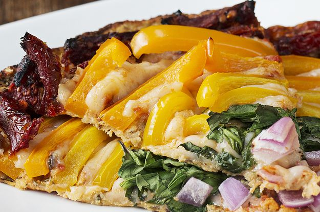 """Eat The Rainbow With This Colorful Cauliflower """"Pizza"""""""
