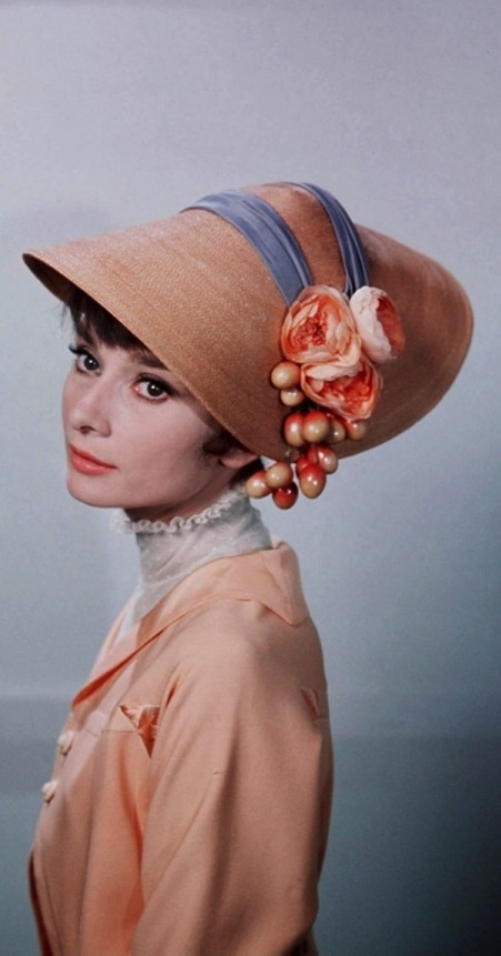 "Audrey Hepburn..""The difference between a lady and a flower girl is not how she behaves, but how she is treated."" Eliza Doolittle, My Fair Lady (1964)"