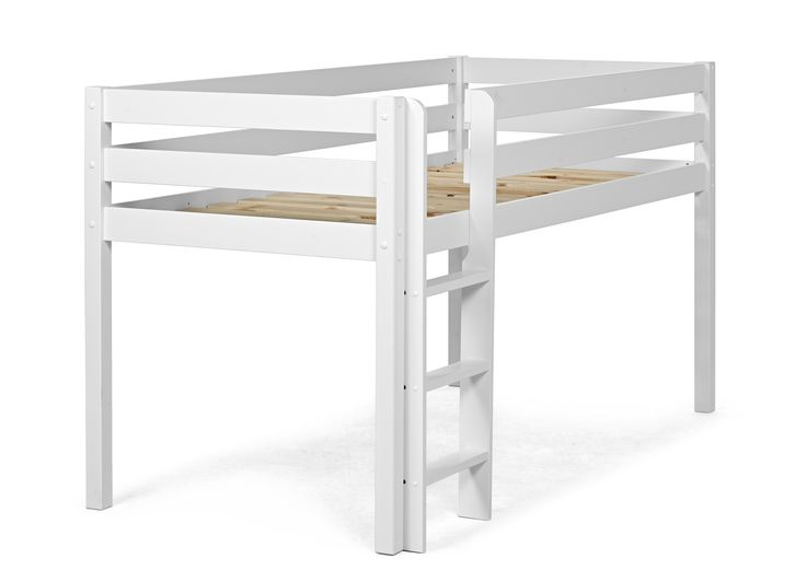 Loftsäng i lack med plats för praktisk förvaring under. Bäddmått 90x200 cm. Byrå, hylla och skrivbord finns som tillbehör.