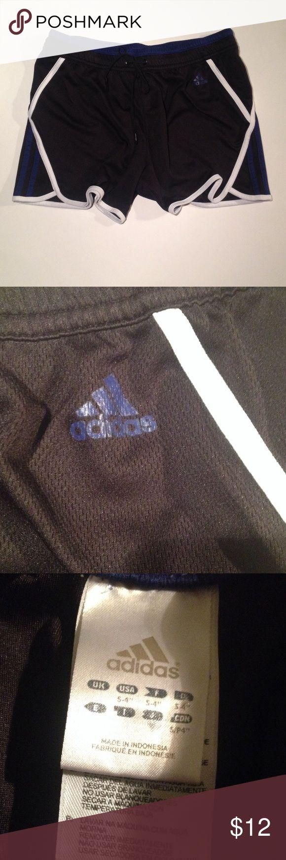 Adidas jogging shorts Tri color jog shorts. No lining. Adidas Shorts