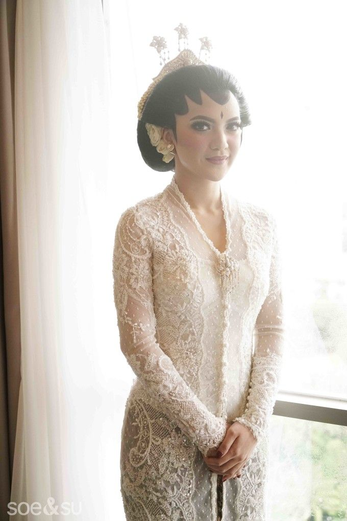 The Bride's Best Friend's Glamorous Traditional Wedding | http://www.bridestory.com/blog/the-brides-best-friends-glamorous-traditional-wedding