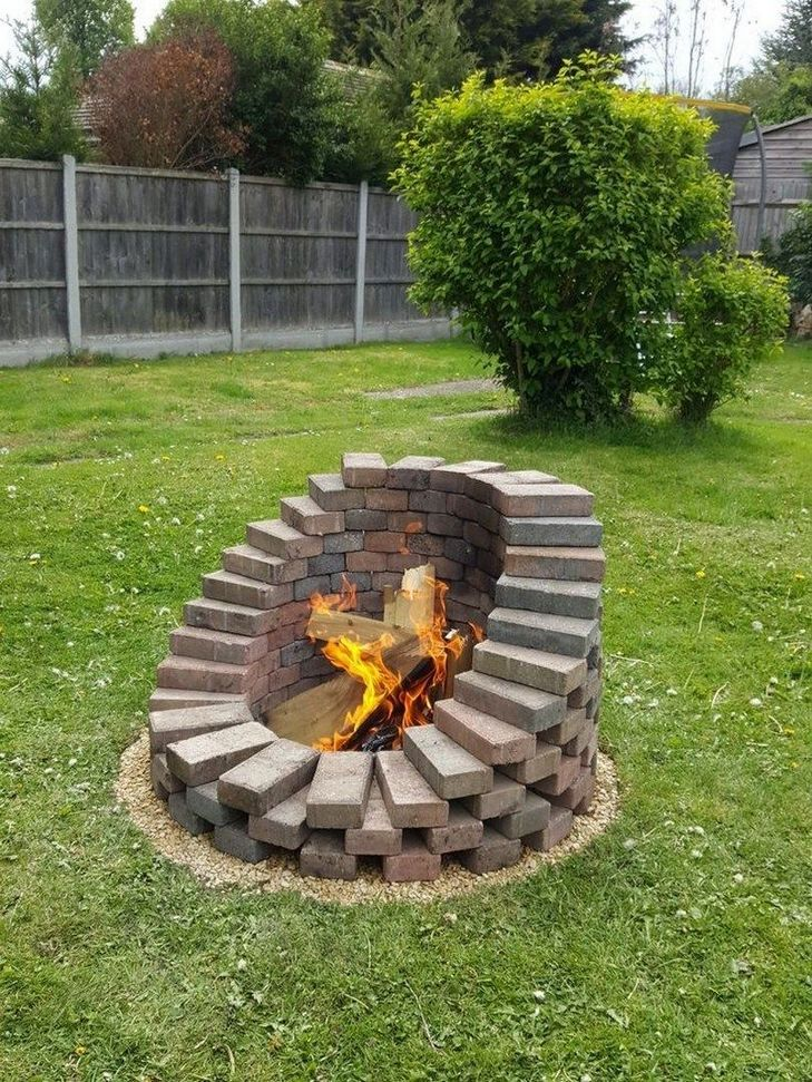 25 Easy and Simple DIY Fire Pit Ideas   Backyard ... on Simple Patio Designs With Fire Pit id=49501