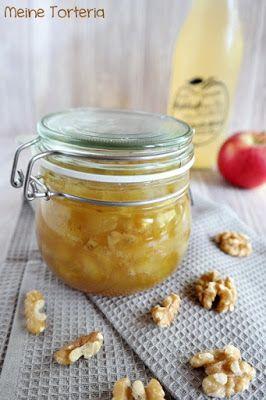 Apfelkonfitüre mit Vanille und Walnüssen