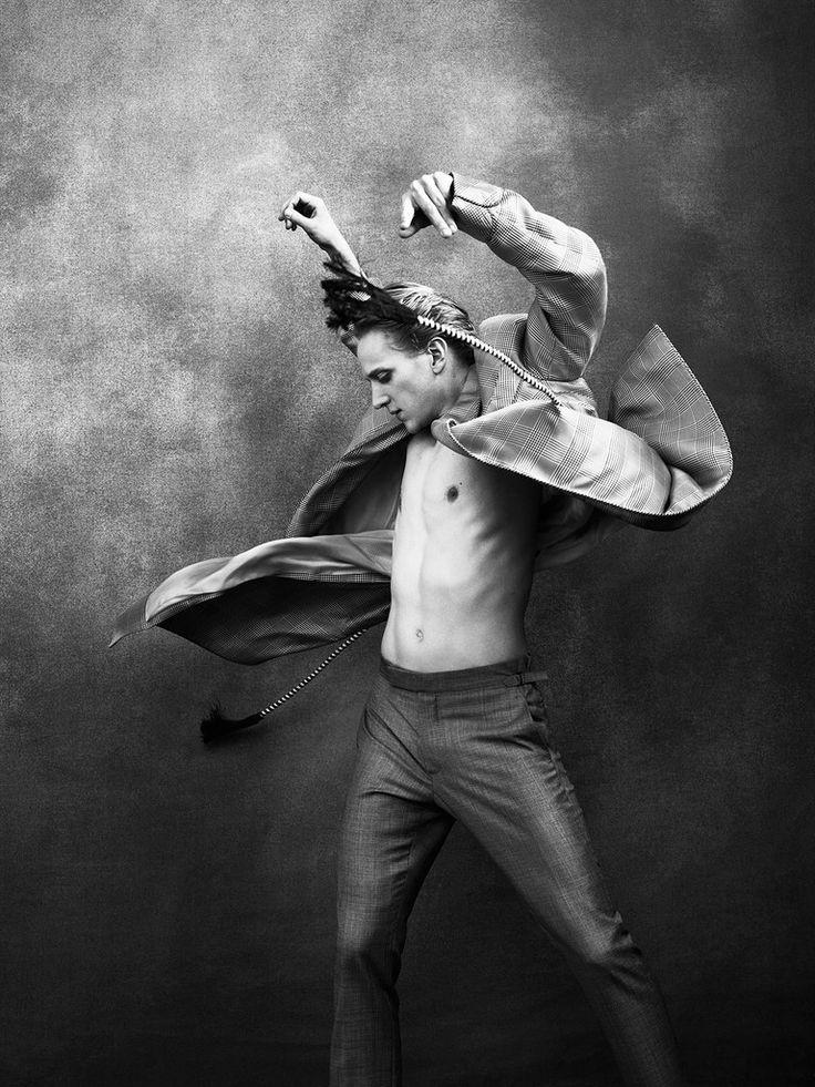 WHITE TIGHTS NOT INCLUDED (БЕЛЫЕ КОЛГОТКИ НЕ ВКЛЮЧЕНЫ) - Портал STAGE|Хореография: танец + театр + кино...