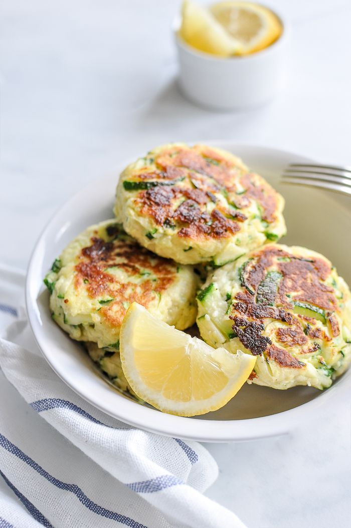Easy Zucchini Ricotta Cakes #recipes #light #healthyfood