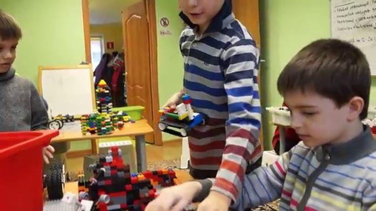 """Занятия в детском лагере """"Лего-космос"""""""
