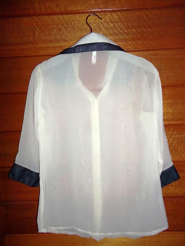 two collar broken white (back)