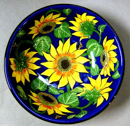 Sunflower bowl, an old pattern painted by artist Geoff Graham at Cinnabar Ceramics, Vallejo, CA (Formerly Ukiah, CA)