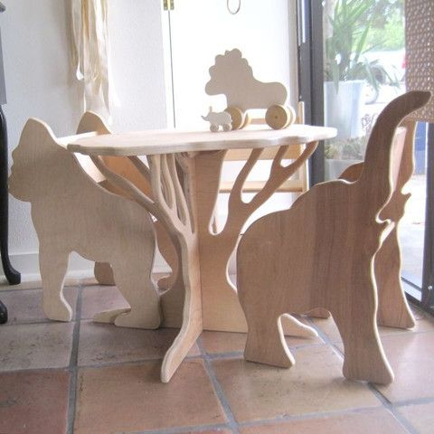 CHILD'S TREE TABLE