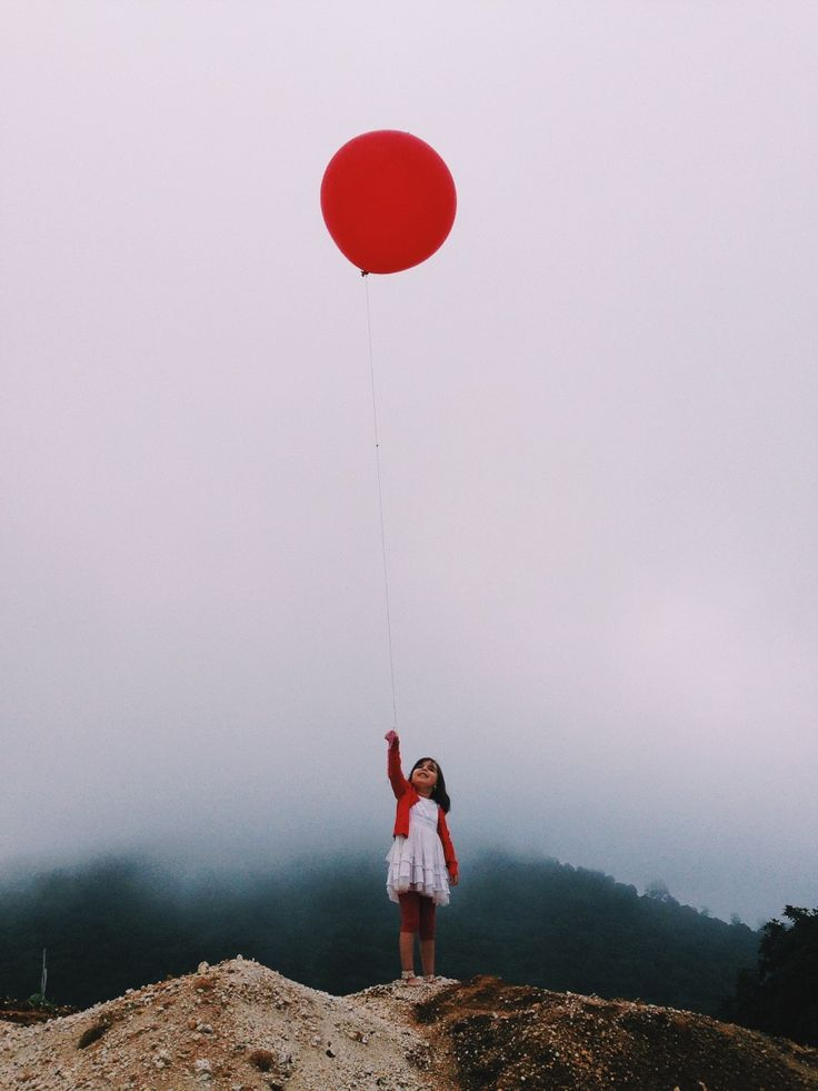 Red balloon |  VSCO Grid | Monodelespacio