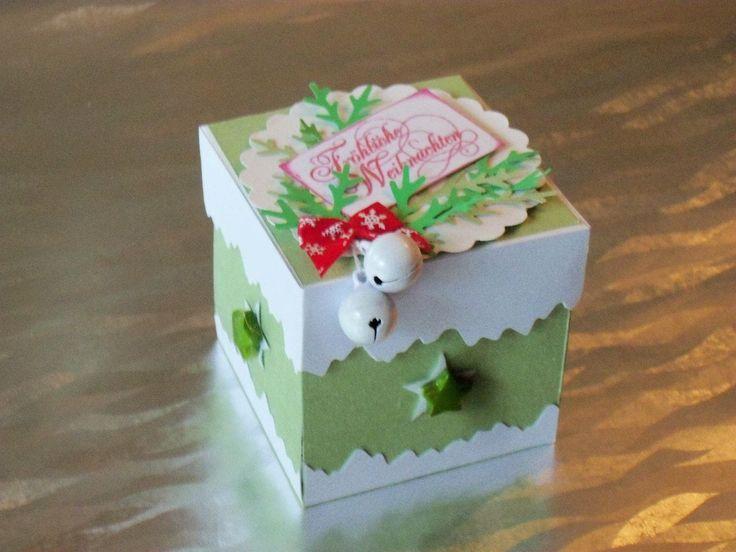 Pudełko na Boże Narodzenie z życzeniami po niemiecku.