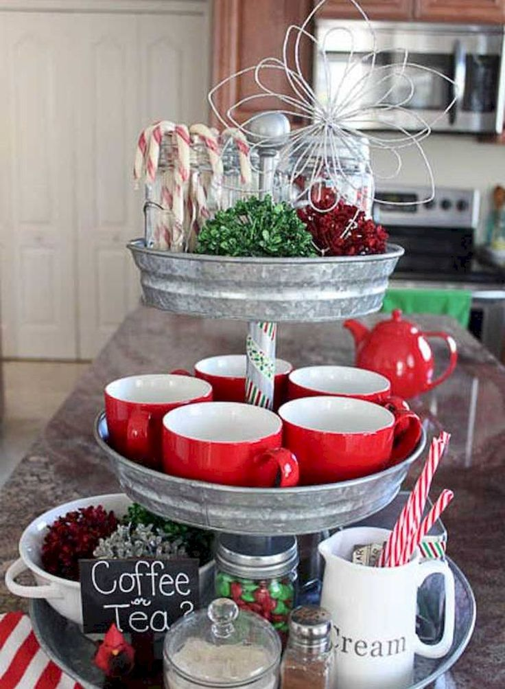 Best 25 apartment holiday decor ideas on pinterest for Apartment balcony christmas decorations