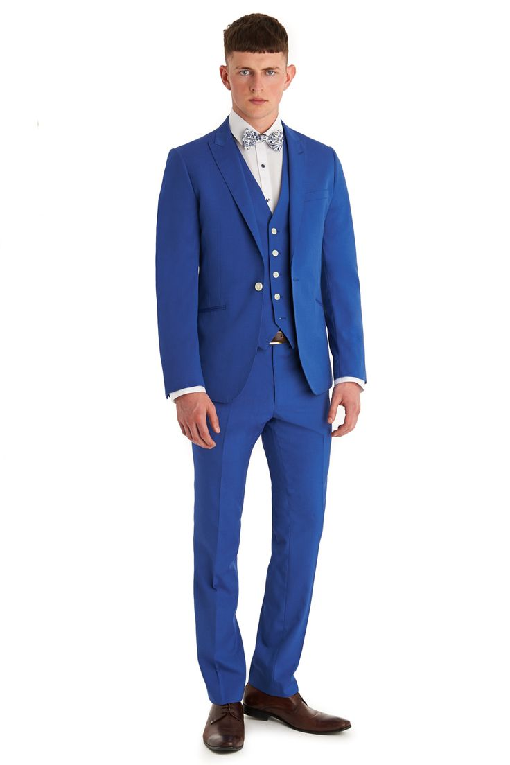 Moss London is about attitude, individuality and quirky youthful urban style. This azure blue suit is single breasted with a peak lapel. It has two outer pockets and an outer breast welt. It has a single button fastening. This is one of our set suits where the accompanying trousers is already selected at 6 inches smaller then the chest size. For example, a 40R Suit comes with a 34R trouser. If you require more flexibility in sizes you can look at our Mix and Match collection. Moss London…