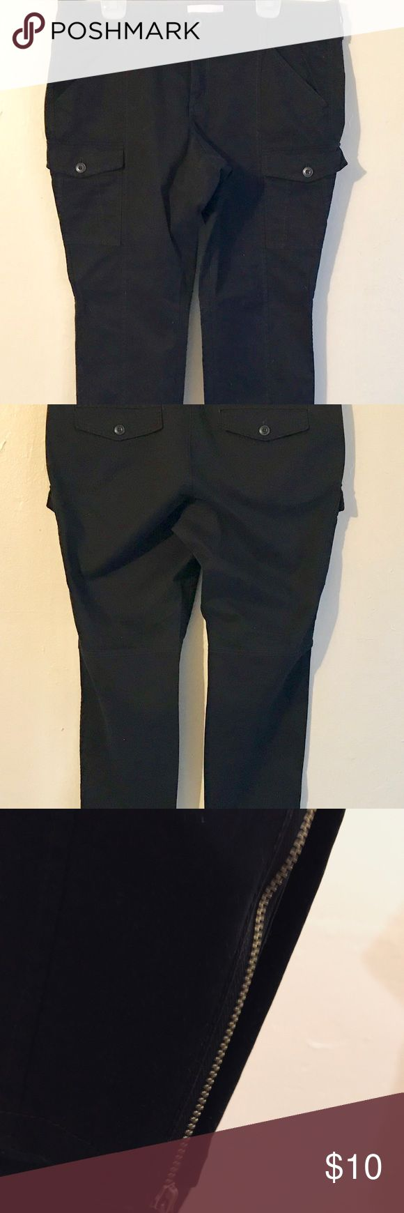 Black Skinny Cargo Pant Size 16M 2 front mid outer thigh with buttons and zip ankles. Cleaning out the closets ✨ Old Navy Pants Skinny