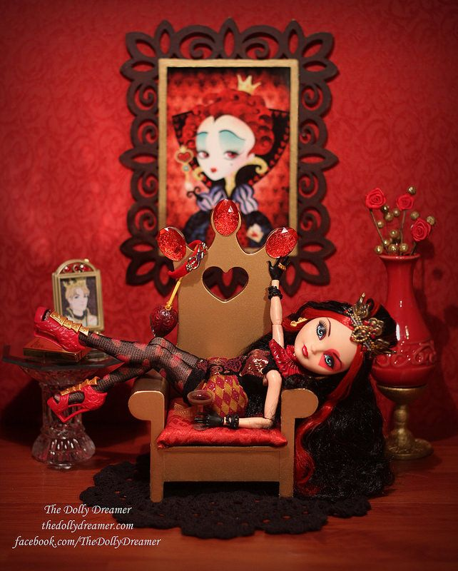 Ever After High Lizzie Hearts by Bridget / TheDollyDreamer                                                 MOOOOOM!!!!