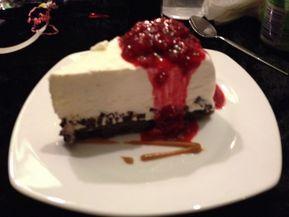 En lille nytårs dessert som er super nem og smager fantastisk Jeg har lige sat et par strejet af karamel, da jeg lige havde noget til overst. Det blev det bestemt ikke ringer af. Karamellen er lavet af kondenseret mælk som er kogt i dåsen i 3 timet afkølet helt ned og vuptig så er…