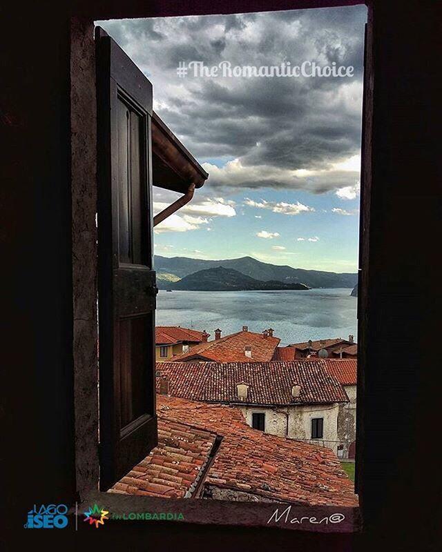 """#TheRomanticChoice Location:#Zorzino fraz. #RivaDiSolto (BG) Photo Credit: @marenagram  Rules: http://www.iseolake.info/it/blog/contest-fotografici  _____________________________________________  Ti ringraziamo per aver condiviso questa immagine di uno dei comuni del lago d'Iseo.  Puoi vincere una visita esclusiva in una cantina della """"Strada del Vino Franciacorta"""" oltre a due bottiglie di Franciacorta Satèn per brindare  in un territorio dal fascino unico!"""