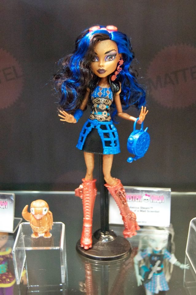 Monster high robecca steam monster high dolls new collection pinterest bags awesome and - Monster high robecca steam ...