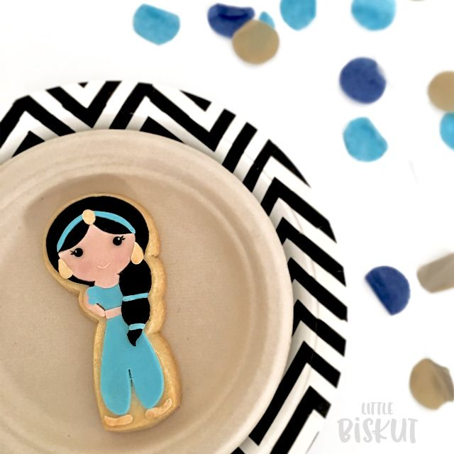 Disney Princess Cookies - Princess Jasmine cookies for a birthday party favour