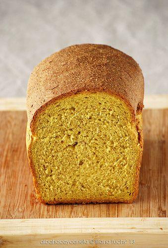 Albahaca y Canela: Pan integral con harina de maíz