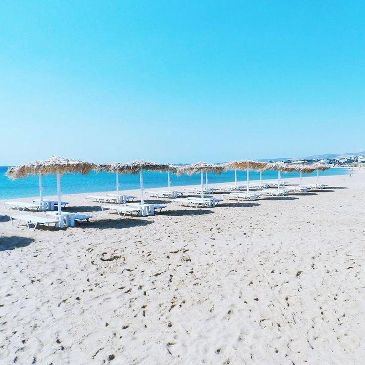 Golden beach, Paros island, Greece | Instagram @lelazivanovic