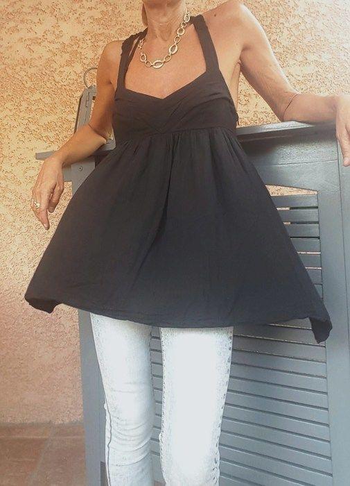Top noir à Bretelle Zara - TBE Taille M - haut forme soutien gorge plissé - évasé sous poitrine - dos échancré au crochet ...