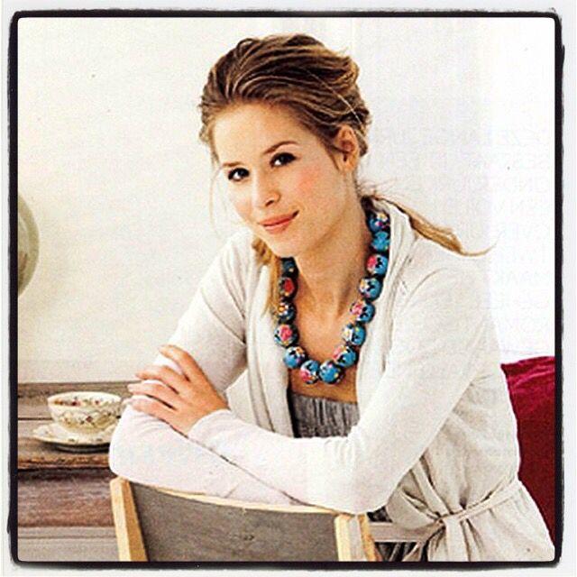 #maei #necklace #blue #turquoise #handpainted on #wood #accessories #fashion #fashionbloggers #jewelry #womenswear #flowers #colorful #art #ketting #mode #modebloggers #accessoires #sieraden #kleurrijk #fleurig #kunst #bloemen #handbeschilderd