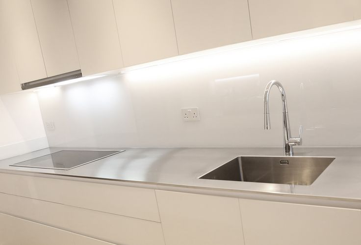 Ultra-thin GEC Anderson stainless steel worktop  with A55 single bowl sink and cutout for hob
