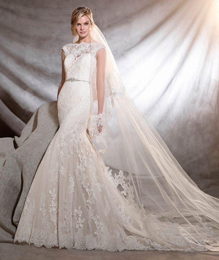 ORIA - Vestido de noiva clássico de corte baixo | Pronovias