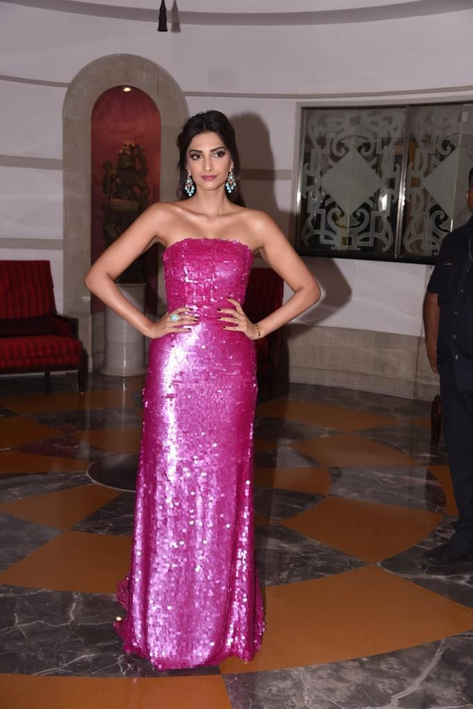 sonam kapoor latest images at Brand Vision Awards 2016