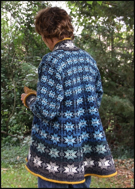 a shaped cardigan by batilou, via Flickr Love the shape!