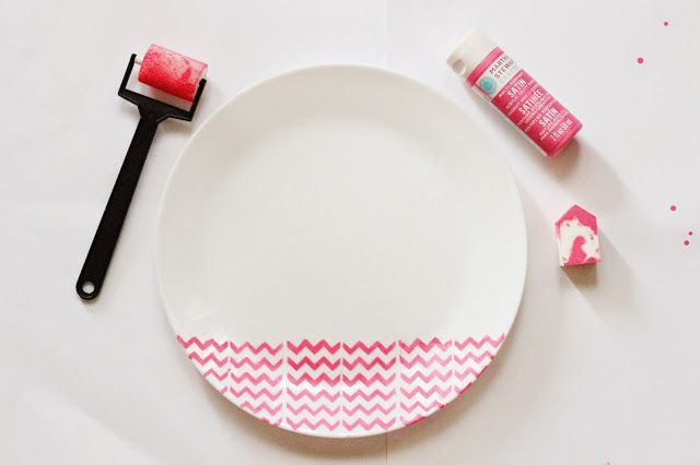 Crafty Mom - Painting Stencil. Turns your empty plate into something beautiful. And, choose neon colors to add more fun! More info www.lifeatarcilland.com