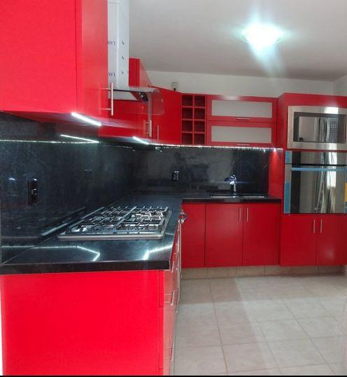 Cocina terminado laca roja. #woodworking #cocinas #pv