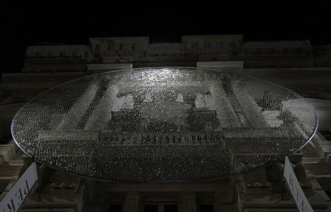 Artists' glittering art installation repurposes 14,000 eyeglass lenses (Video) : TreeHugger