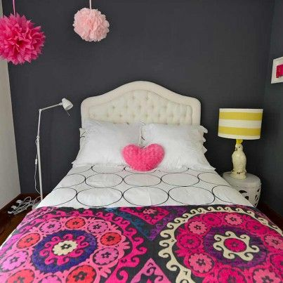 Teen Girls Room – modern mix and match