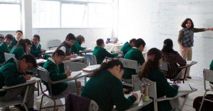 viene otro recorte en àrea educativa Clases_Educacion_Secundaria-3