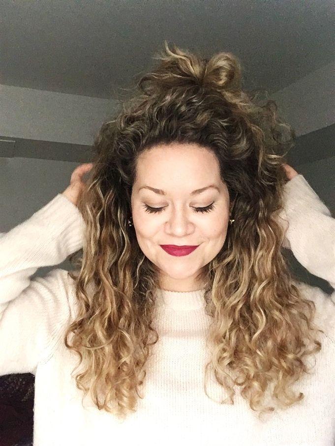 Blonde Hair Curly Hair Natural Curls Balayage Long Curly Hair Red Liquid Lip N Curly Hair Styles Naturally Natural Curls Hairstyles Ombre Curly Hair