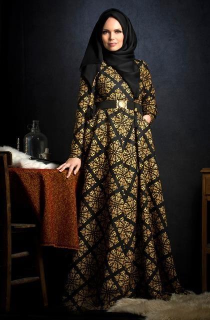 muslima-wear-model-yellow-rose-elbise