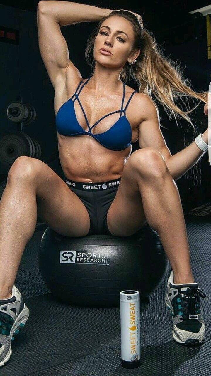 babe at gym