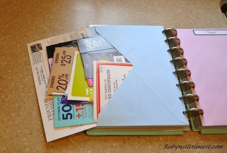 An envelope is an ingenious addition to a discbound notebook (or even a 3-ring binder) via Robyn's Little Nest