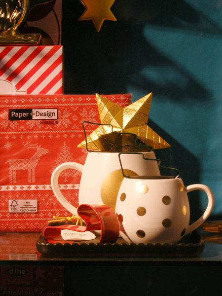 Christmas cosy kitchenware Client: London and American Supply Stores Display and Image: Patricia Denis