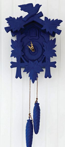 We have a cuckoo clock just like this as a memento of Switzerland but me thinks hubby won't let me give it a makeover......will have to work on that one!