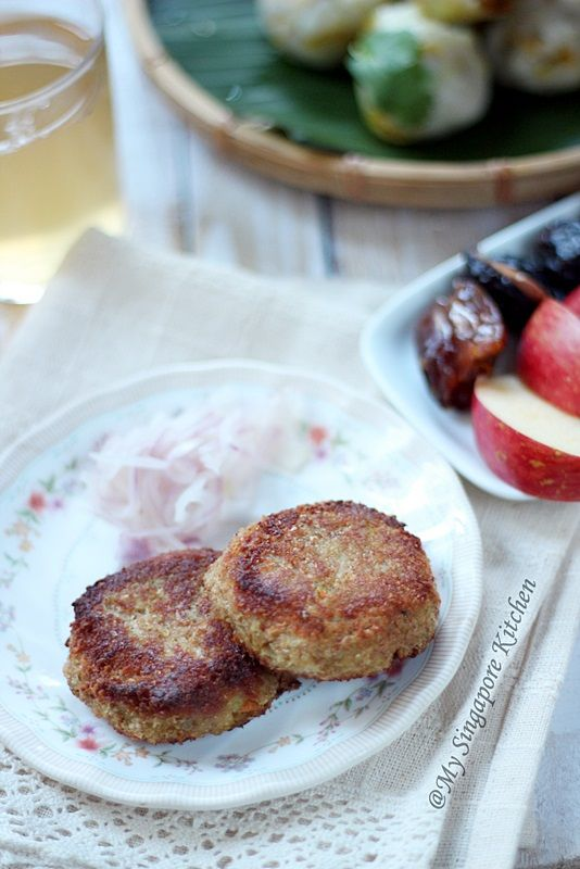 Yummy Food: {Ramadan Special} - Guest Post: Pan Fried Chicken and Carrot Cutlets from Suhaina of My Singapore Kitchen