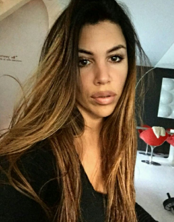 Pevačica Kaja Ostojić iskrena je do koske, pa je tako oduševila korisnike društvene mreže Tviter.    Kaja se udavala čak tri puta, a sada je ušla u komunikaciju sa jednom korisnicom oko težine.   #frajeri #gica #kaja ostojic #pressserbia #UDAJA