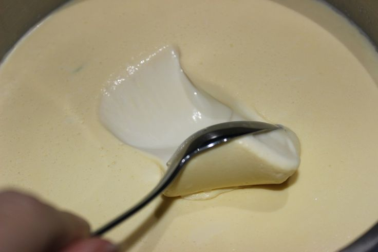 Thick and Creamy Vanilla Yoghurt