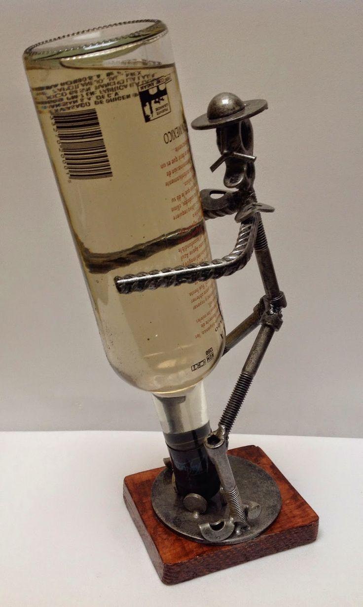 Portabotellas Quijote. Arte en metal reciclado.